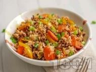 Рецепта Ориз с говеждо месо, моркови, чушки и пресен лук